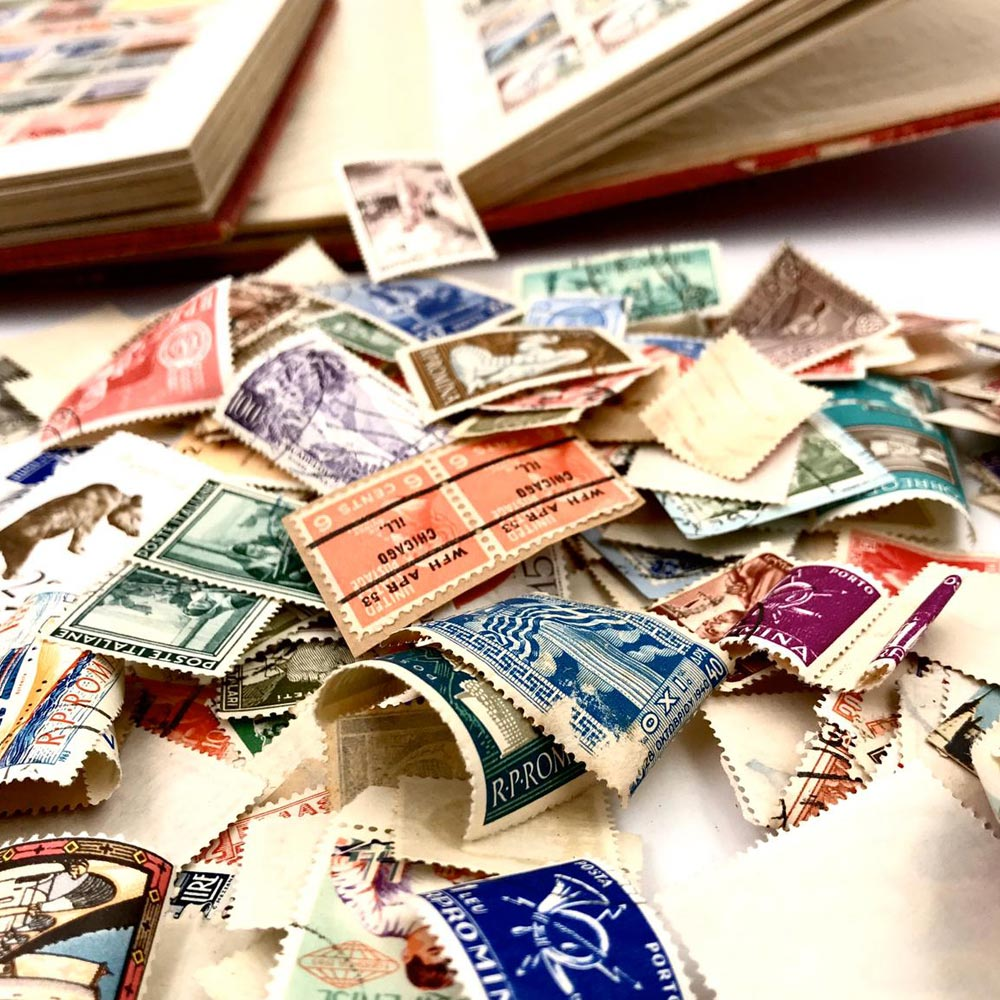 Vendita antiquariato - Oggetti da collezione: francobolli, filatelia - Aroundart.it - 2